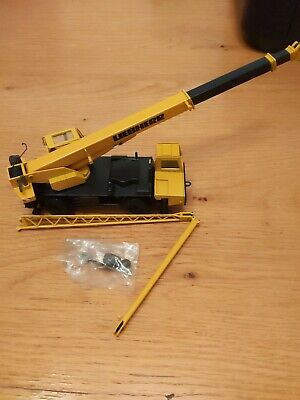 Liebherr Model Mobile Crane. LTM 1025. Model 2083. With Accessories. Boxed • 12.50£