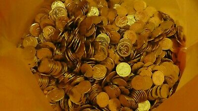 Approximately 2,500 Plastic Gold Coins Pirate Treasure. • 30£