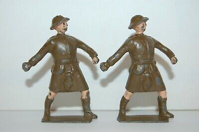 Vintage Crescent Lead Highland Soldiers Throwing Grenades              Britains • 4.99£