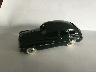 Dinky Toys Ford Vedette Repeinte  • 8.90£