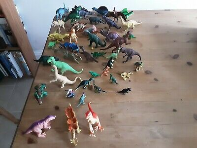 Large Number Of Plastic Dinosaurs  • 5£