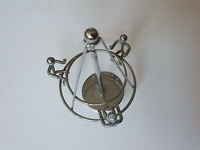 VINTAGE 1970s EXECUTIVE KINETIC DESK TOY - PERPETUAL MOTION MERRY-GO-ROUND • 8£