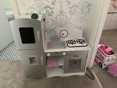 Kids Kitchen • 20£