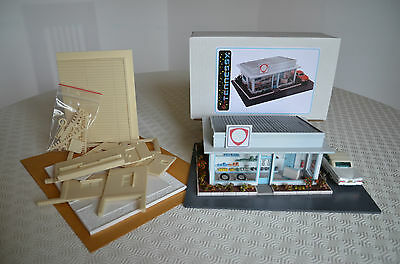 MAQUETTE DIORAMA - STATION SERVICE - TENNESSY (FRANCE) 1.43 éme • 37.92£