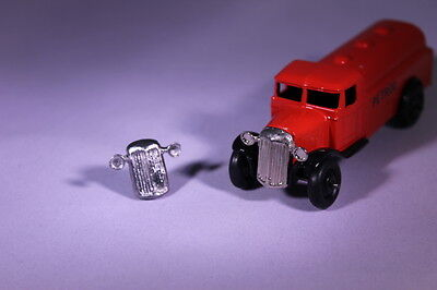 Dinky 25 Series Trucks Front Grille (Reproduction) • 2.10£