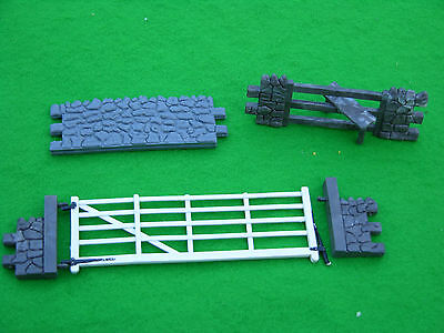Britains Farm, Dry Stone Wall Sections • 30£