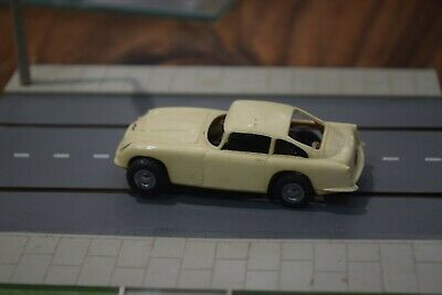 TRIANG MINIC MOTORWAY M1581 Aston Martin DB.6 COUPE Excellent Condition Working  • 40£