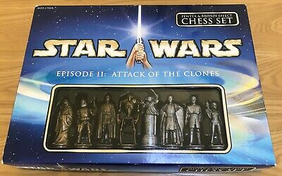 Star Wars Attack Of The Clones Chess Set.  Pewter & Bronze Effect Chess Set. • 16£