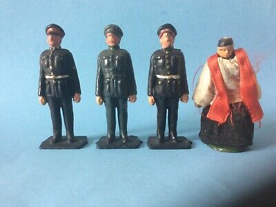 Vintage Lead Soldiers And Clothed Priest. • 12£
