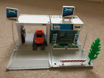 Tomy Tomica Hypercity Car Repair Garage • 8.99£