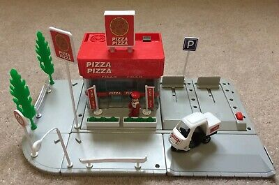 Tomy Tomica Hypercity Pizza Shop • 8.99£