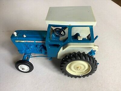 Britains Ford 5000 Tractor Blue • 8£