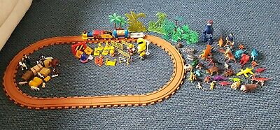 Train Set, With Construction, Farm Animals And Dinosaurs • 5£