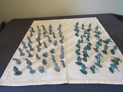 82 Assorted Toy Soldiers. • 5.50£