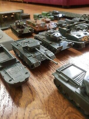 Airfix HO/OO Soldiers And Vehicles And Bases • 1.99£