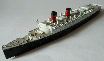 Vintage 10  Long Metal And Plastic Model Of The Queen Mary Ship. • 6.99£