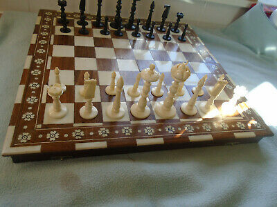 Vintage Bone Chess Set With Inlayed And Red Lined Carry Box / Board • 125£