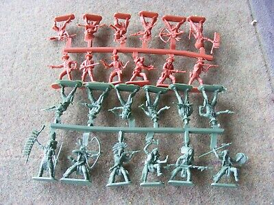 OO/HO Scale Cowboys And Indians, Plastic • 3.10£