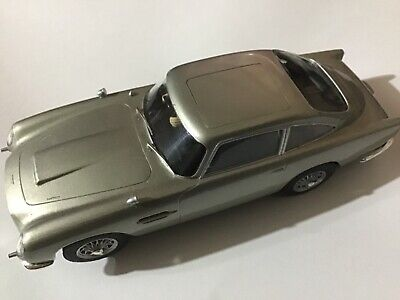 Limited Edition Scalextric James Bond Goldfinger Aston Martin Db5 C3664a  • 45£