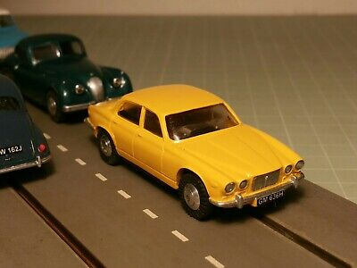 Triang Minic Motorways Chassis & Resin Jaguar XJ6 Body Complete Vehicle • 52.55£