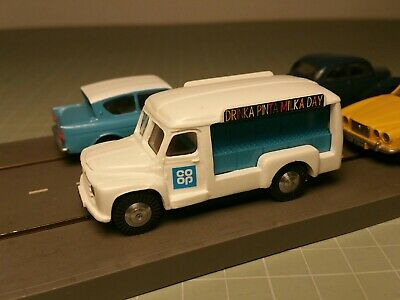 Triang Minic Motorways Chassis & Resin Commer Milk Float Body Complete Vehicle • 50.99£