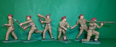 CRESCENT 1:32 WW2 British Paratroopers X 6. Hand Painted Figures. • 17.50£