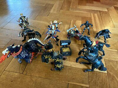 Schleich And PAPO - 4 Horses, 7 Riders And Treasure • 15£