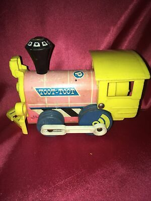 Vintage 1960s Fisher Price Toot Toot Pull Along Train Engine Child 643 Retro Toy • 2.30£