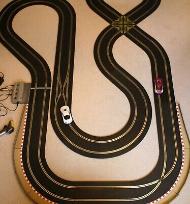HUGE Extended DIGITAL Scalextric Set With 2 X DIGITAL BUGATTI VEYRON • 129£