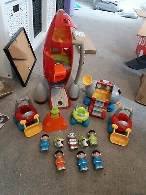 ELC Happyland Space Mission Explorers - Space Rocket And Buggy Figures • 20£