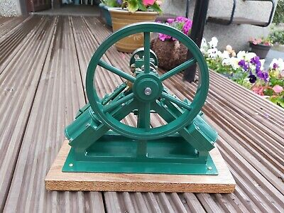 A Well Engineered Model  Of A Double Diagonal Steam Engine  • 190£