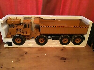 Radio Controlled Construction Tipper Truck • 24.99£