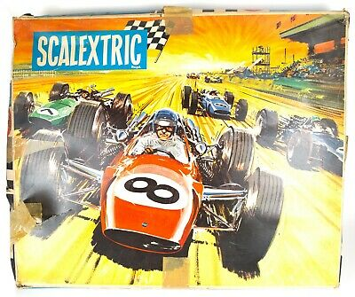 VINTAGE 1960s TRIANG SCALEXTRIC GRAND PRIX MOTOR RACING SET OUTFIT No. 50, BOXED • 60£