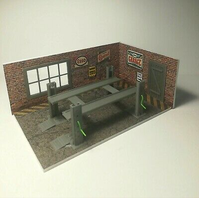 NEW Diorama Model Kit Of Brick Garage With Car Lifter In Scale 1:43 Car Service • 24.19£