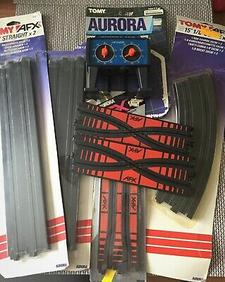 AURORA AFX TRACK BUNDLE CROSSOVERS SQUEEZE TRACK And LAP COUNTER • 20£