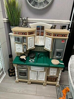 Step 2 Play Kitchen With Food / Utensils And Sound • 40£