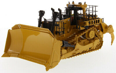 1:50 Scale Cat® D11 Fusion Track-Type Tractor Die-cast Model - DM85604 • 165£