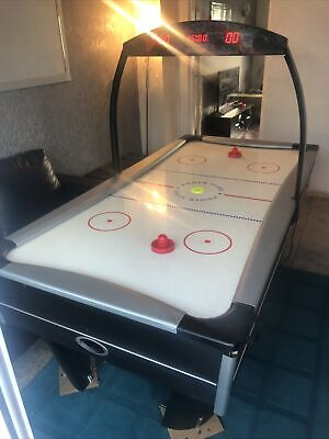 7ft Electronic Air Hockey Table • 204£