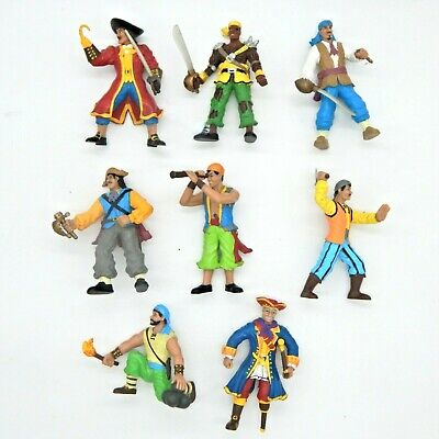 Pirates Figurine Bundle Includes Zombie Pirate • 9.99£