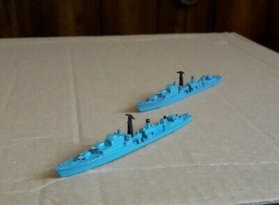 Triang Minic 1:1200 Scale Royal Navy Daring Class Destroyers: HMS Dainty & Decoy • 7.99£