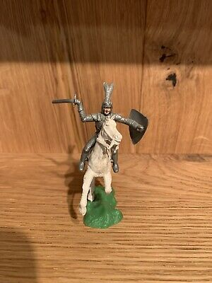Vintage Toy Soldiers: Crescent Knight X1 • 1.50£