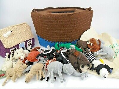 Hand Knitted Noah's Ark With Animals • 49.99£