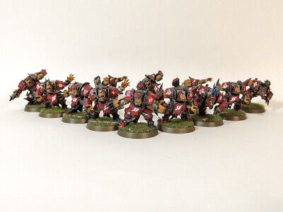 Gouged Eye Orks - Blood Bowl Team - Fully Assembled & Painted • 100£