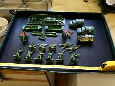 1960s, Vintage Hong Kong, Military Set And Soldiers, 1.32/ 1.72, Vg.  • 4£