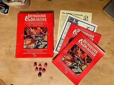 Dungeons And Dragons - Fantasy Role Playing Game - Dice And Set 1 - Vintage 80s • 10.10£