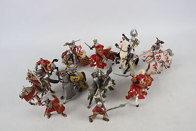 12 X Assorted Modern PAPO & SCHLEICH Medieval Knight Figures Inc. Horses, Etc • 10.50£