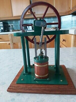 A Well Made Model Of A Vertical Steam Engine • 117£