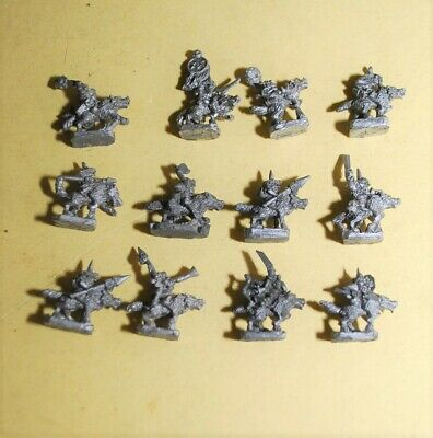 Warmaster- Orcs And Goblines - 12x  Goblin Wolf Riders • 12.95£