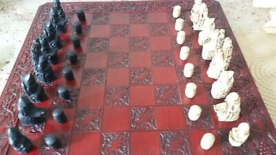 Beautifully Carved Board And Medieval Pieces • 30£