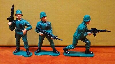 Modern Soldiers - 3 Figure Toy • 4.30£